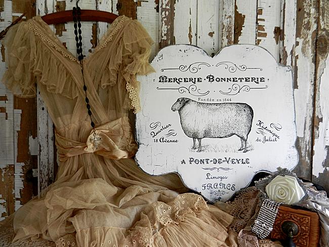 02 - French Velvet Horses - French Farmhouse Sign