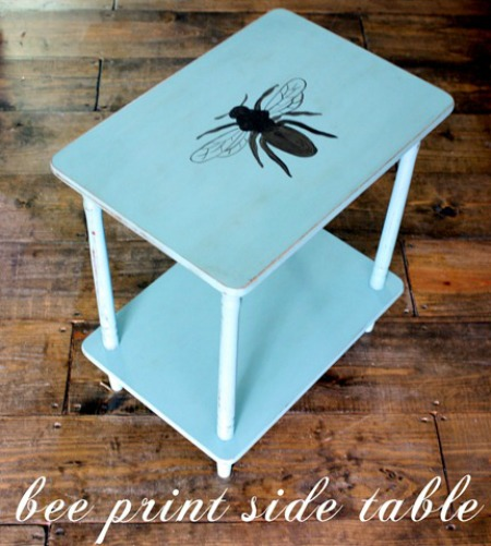 08 - The Shabby Creek Cottage - Bee Print Side Table
