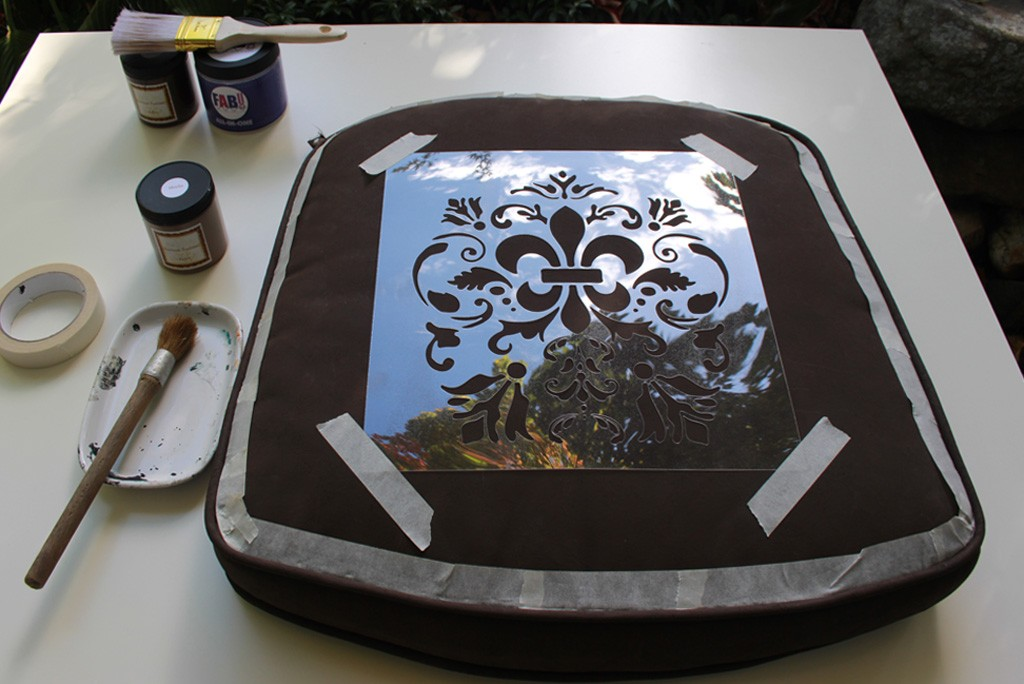 FAB-Painted-Seat-Cushion-Thicketworks-for-Heirloom-Traditions-at-The-Graphics-Fairy-04