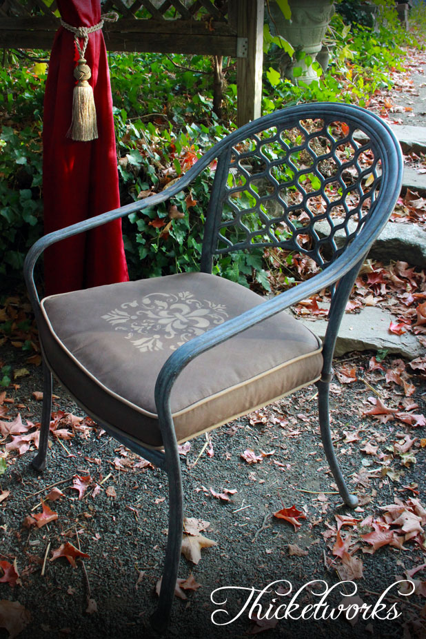 FAB-Painted-Seat-Cushion-Thicketworks-for-Heirloom-Traditions-at-The-Graphics-Fairy-05