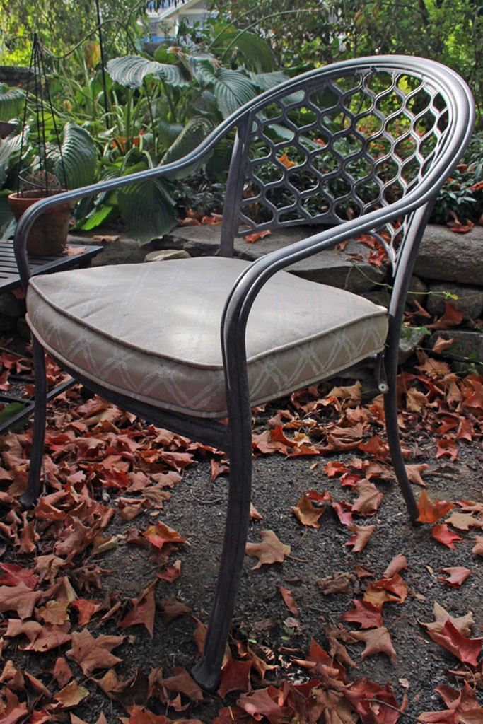 FAB-Painted-Seat-Cushion-Thicketworks-for-Heirloom-Traditions-at-The-Graphics-Fairy
