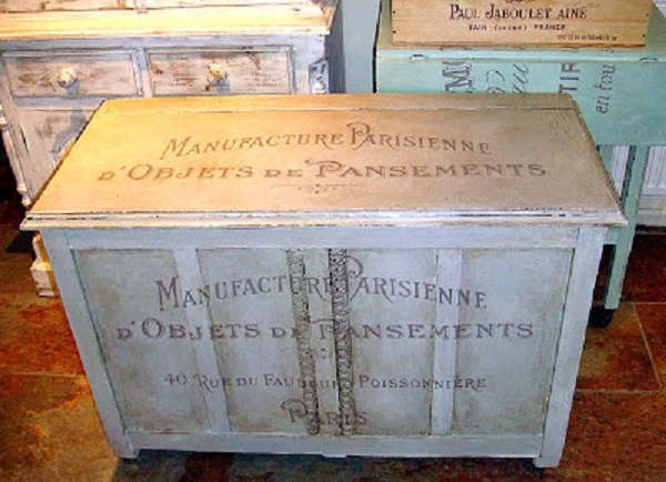 01 - Madame Cholets - French Address Trunk