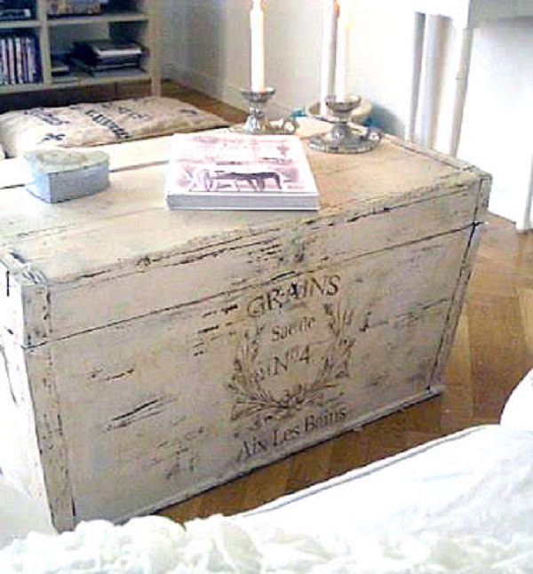 Diy Shabby Chic Coffee Table: 18 DIY Vintage Luggage And Trunk Ideas