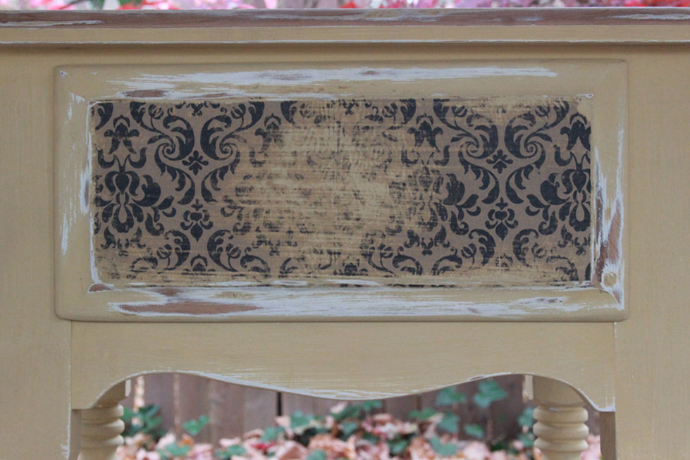 DIY-Decoupage-and-Distressed-Table-005