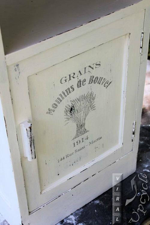 Diy vintage kitchen island reader feature the graphics fairy - Vintage kitchen features work modern kitchen ...