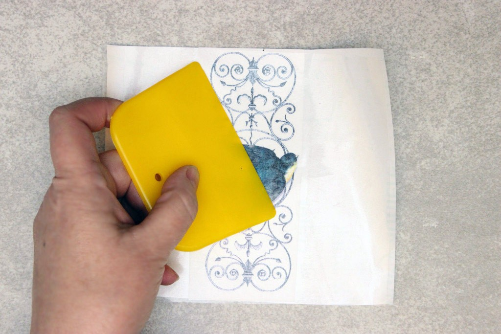 Color-Transfers-on-Glass-Smooth Surface