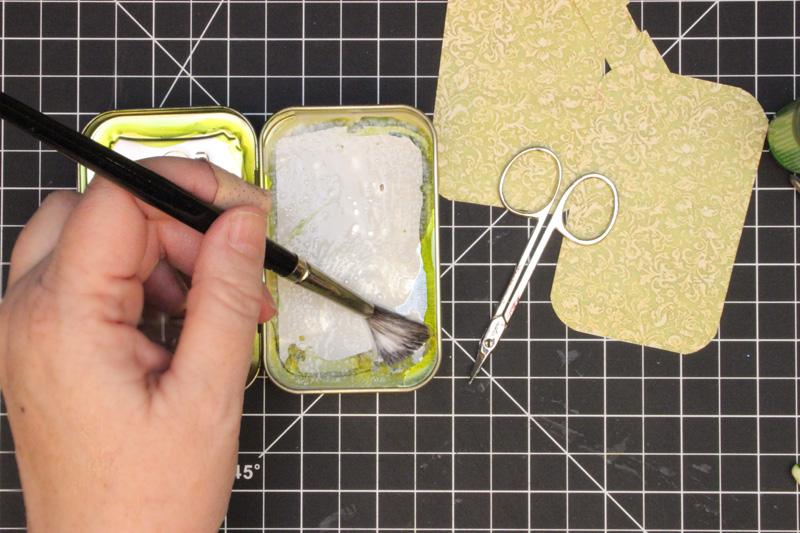 14 Altered-Altoid-Tin-Glue-Base