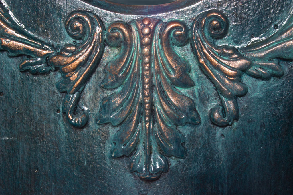 22-Faux-Verdigris-Paint-Technique-Acanthus-Detail
