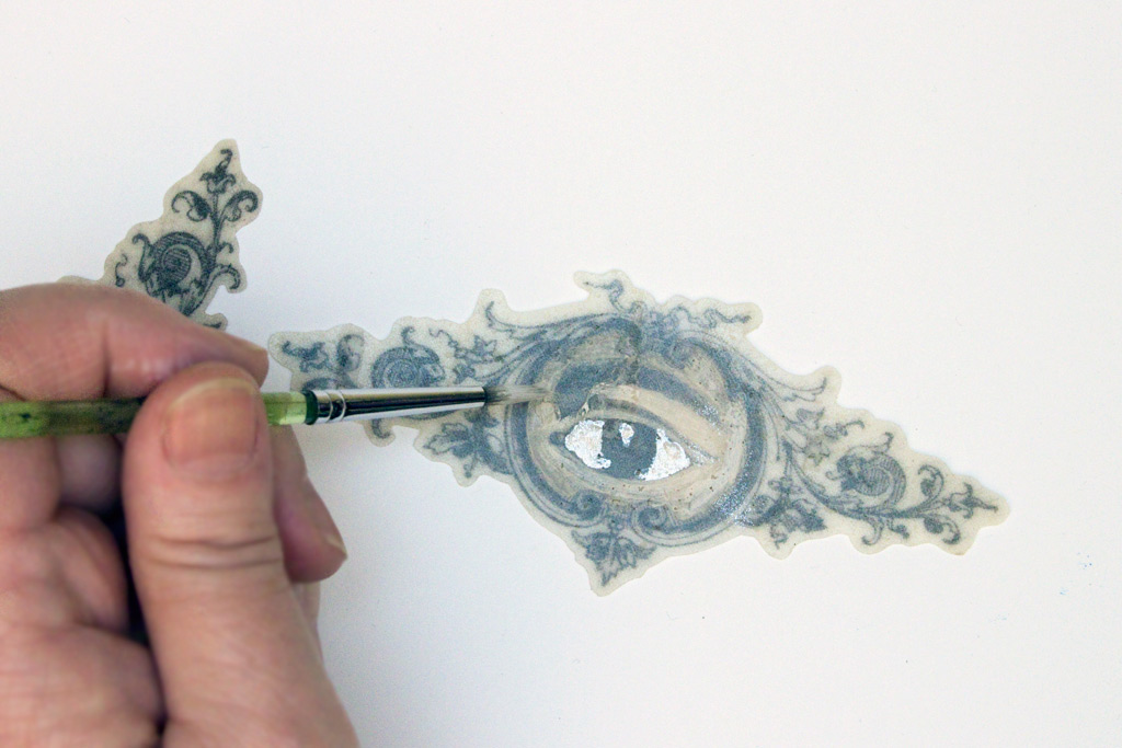 Ice-Resin-and-Printed-Fabric-Reverse-Painting