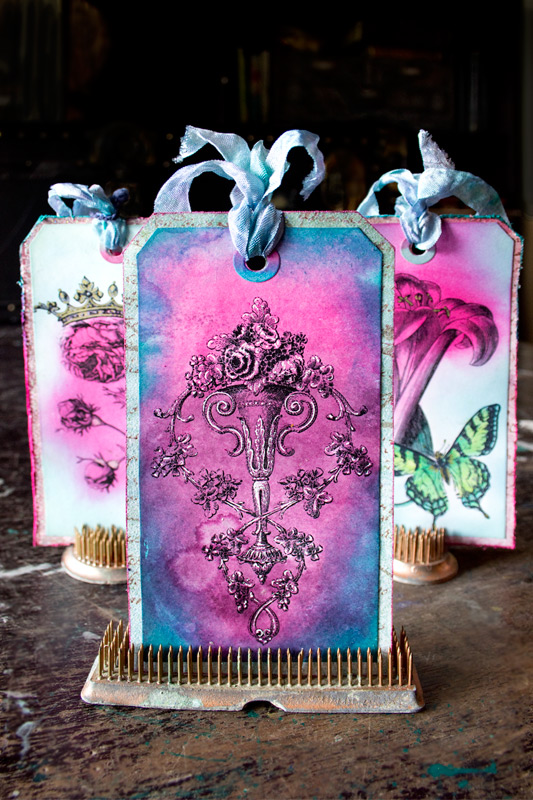 36 Distress-Ink-Techniques-Thicketworks-for-The-Graphics-Fairy-Floral-Tags-Complete