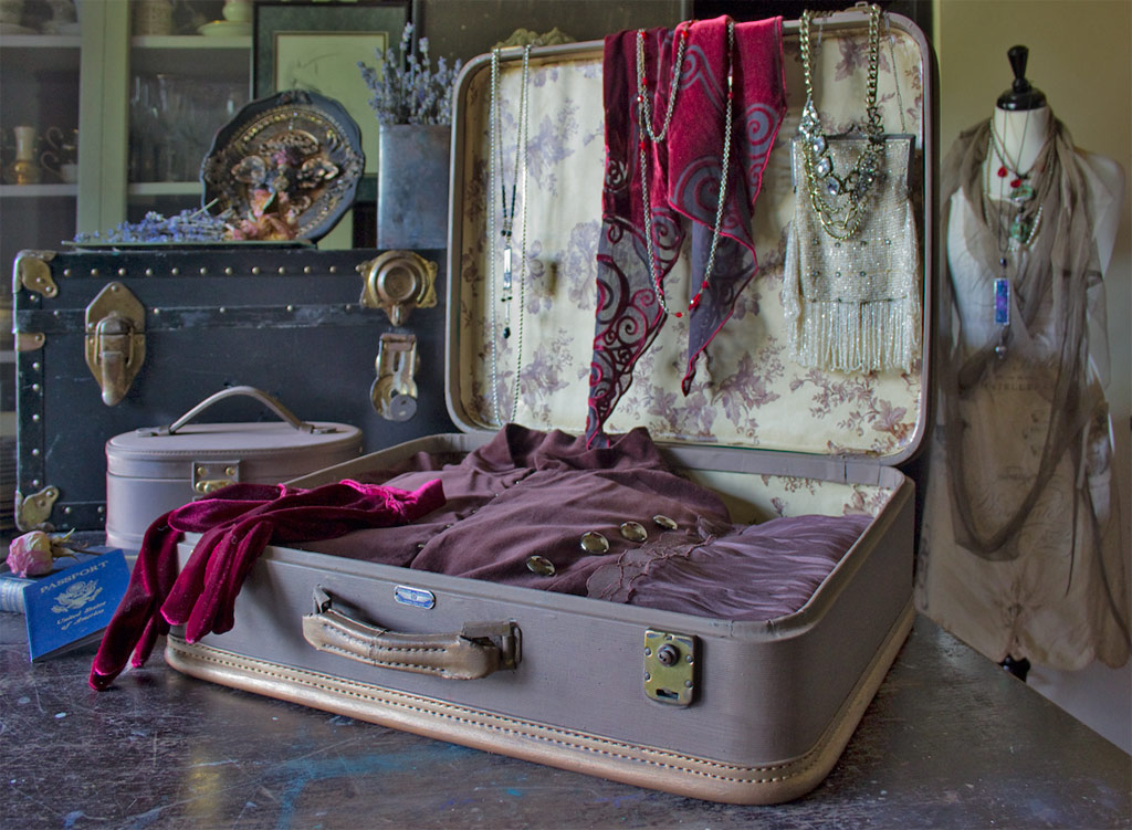 17 Painted-Vintage-Suitcase-Thicketworks-for-Heirloom-Traditions-at-The-Graphics-Fairy-Ready-to-Travel