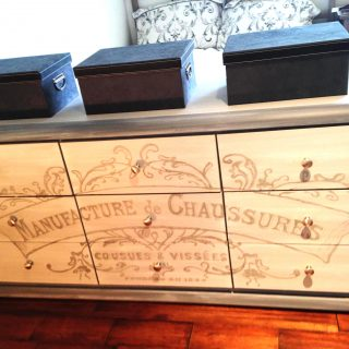 French Graphic Dresser-Reader Feature