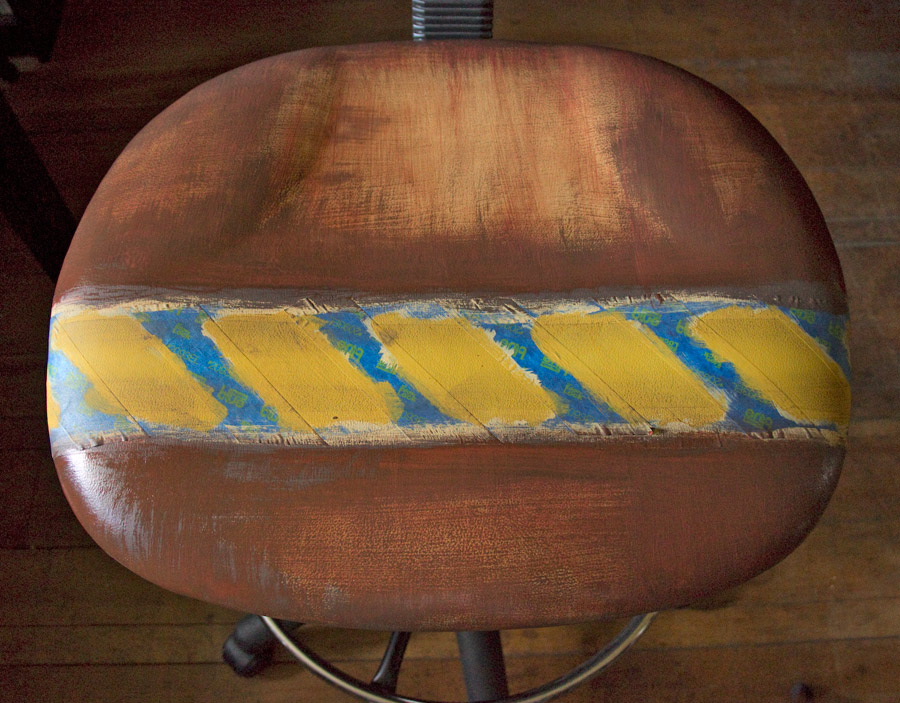 12 How-to-Paint-Vinyl-Upholstery-Thicketworks-for-HTP-at-The-Graphics-Fairy-Rusted-Seat