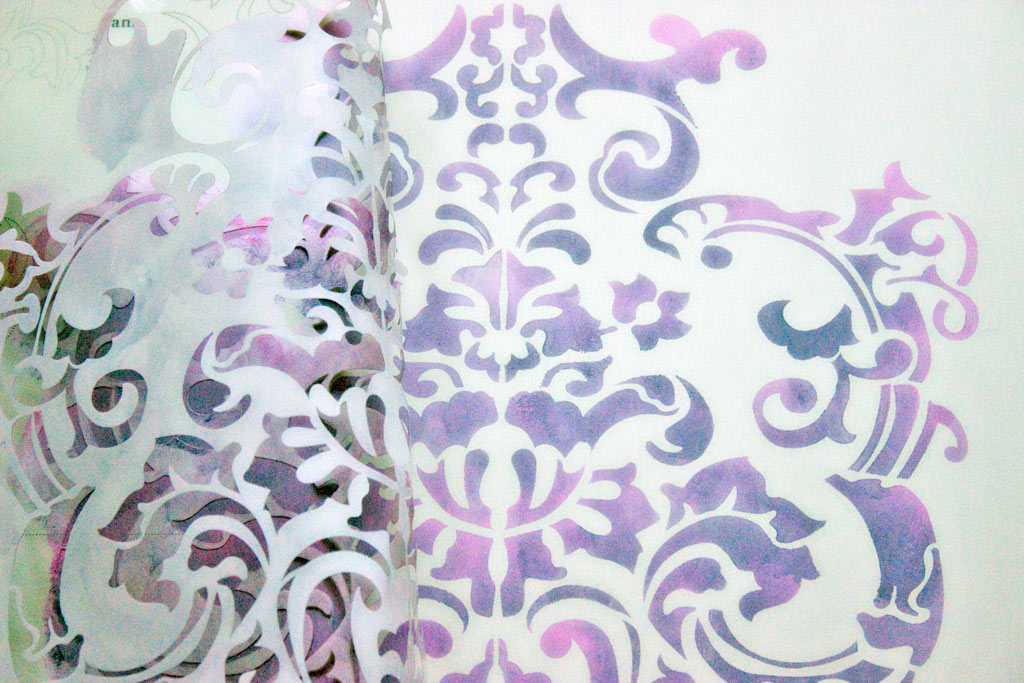 12-blended-color-stencils-and-stripes-heatherktracy-for-heirloom-tradtions-at-the-graphics-fairy-remove-stencil