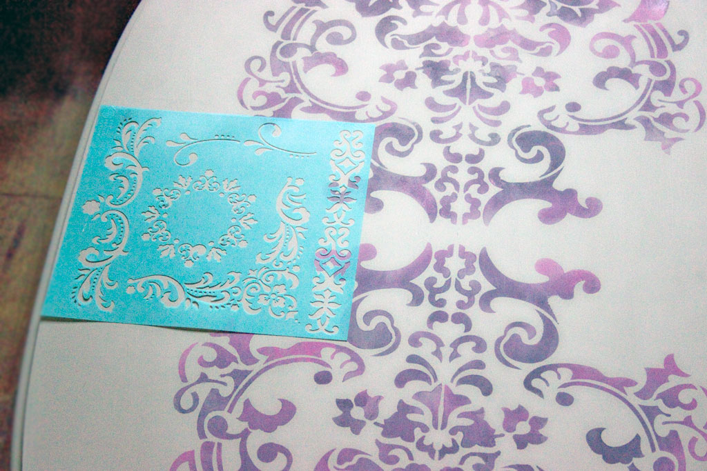 13-blended-color-stencils-and-stripes-heatherktracy-for-heirloom-tradtions-at-the-graphics-fairy-add-motifs