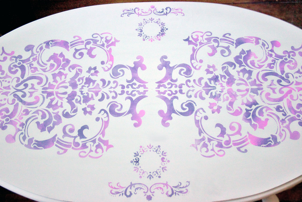 14-blended-color-stencils-and-stripes-heatherktracy-for-heirloom-tradtions-at-the-graphics-fairy-stencil-complete