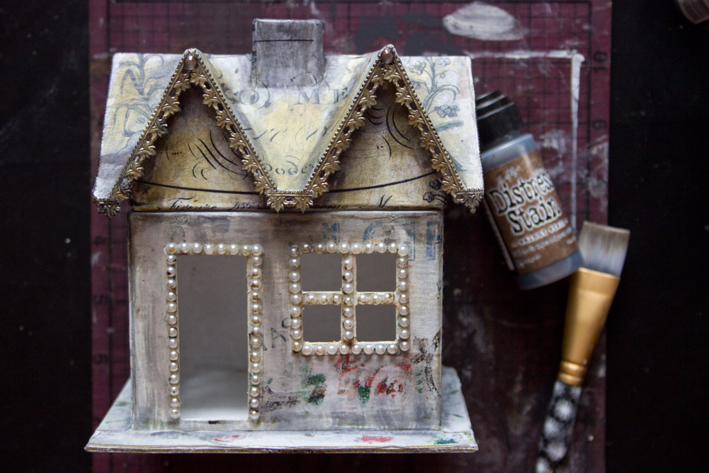 26 Golden-Grunge-Decoupage-Technique-HeatherKTracy-for-The-Graphics-Fairy-Adhesive-Pearls