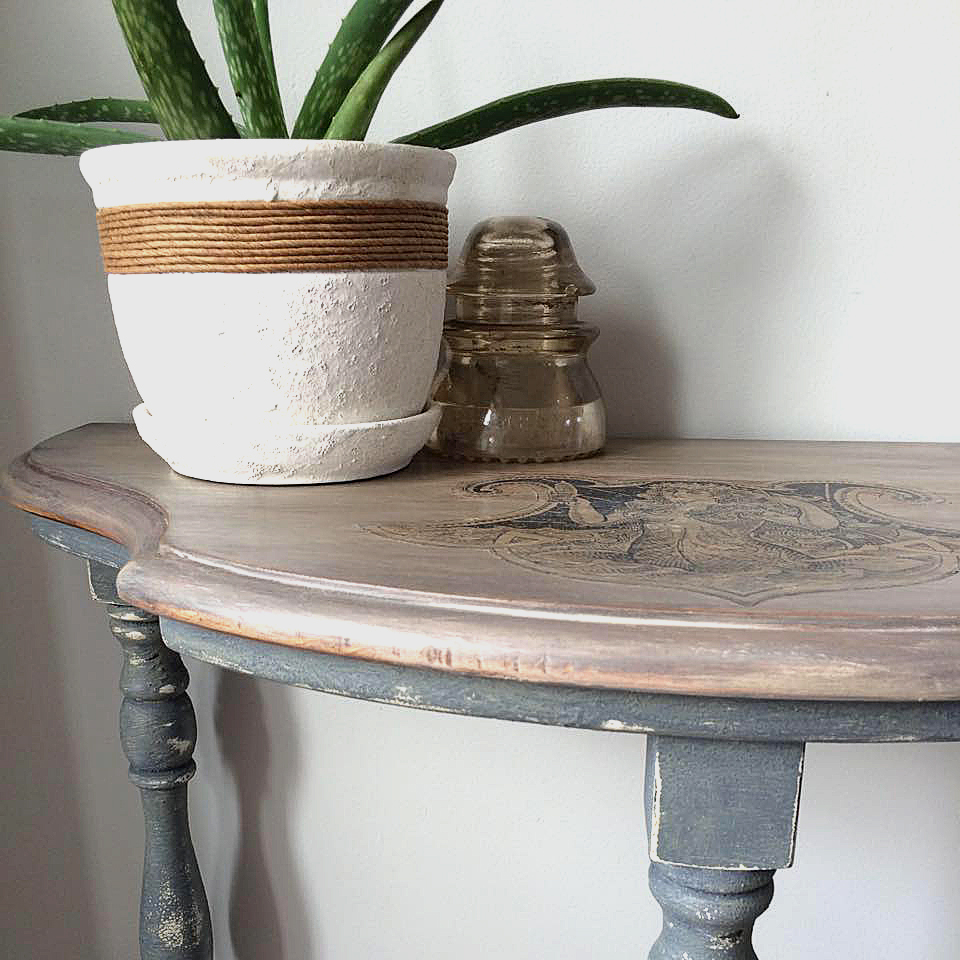 Todayu0027s Reader Feature Was Submitted By Krysta Martin, Who Shared Her  Beautiful Vintage Half Moon Table. Krysta Transferred My Black And White  Antique ...