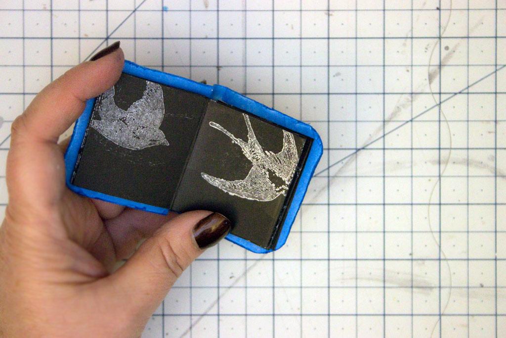 42-blue-bird-gift-tin-heather-k-tracy-for-the-graphics-fairy-mini-book-interior