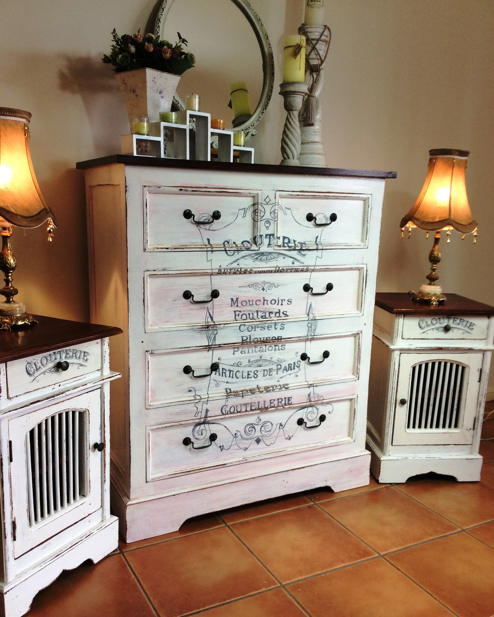 Incroyable This Morningu0027s Reader Feature Is This Beautiful Shabby Chic Dresser And Matching  Bedside Table Set, Submitted By Our Friend JoAnn Clarke.