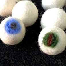 Make Felted Wool Eyeballs and Display – Fun Halloween Craft!