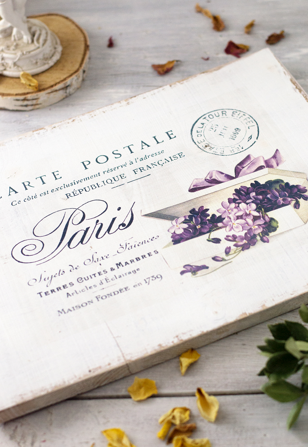 DIY Shabby French postcard sign with fancy violets project & free printable!