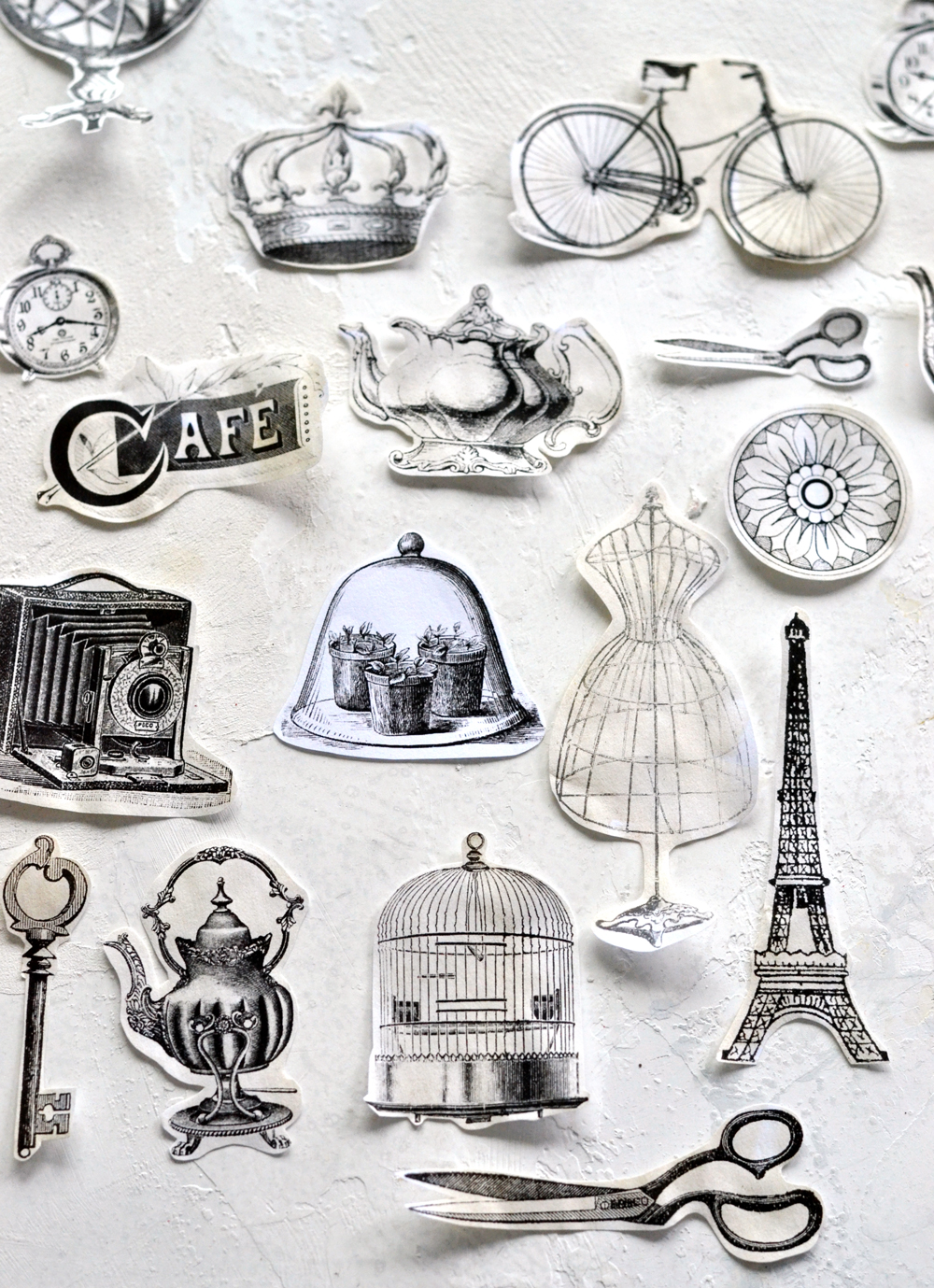 How to make amazing vintage stickers + free printable!