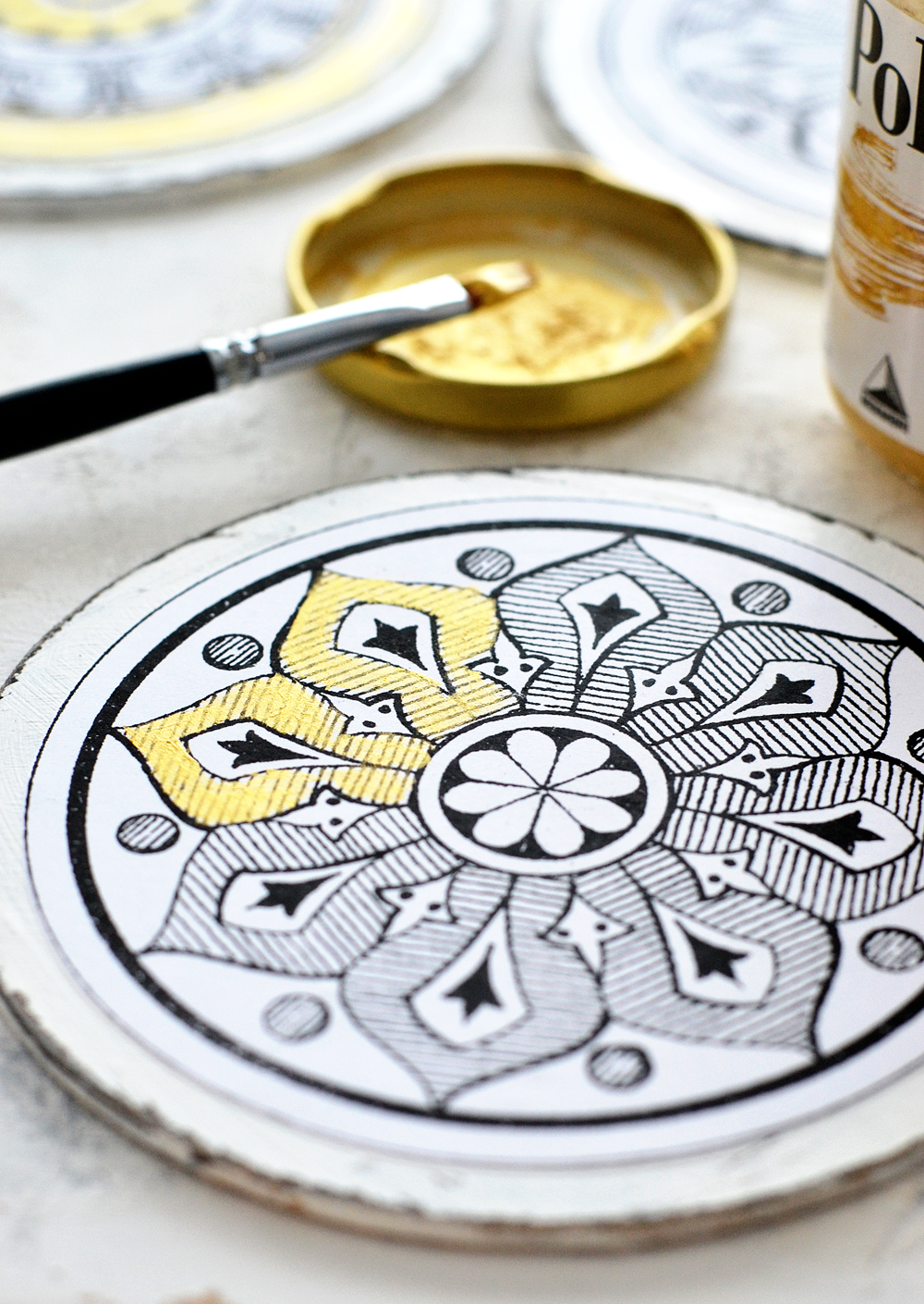 DIY Antique Adult Coloring Medallions & free printable!