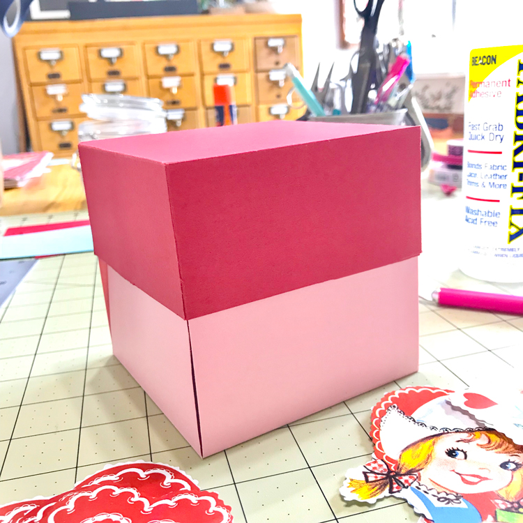 Valentine Decorated Boxes: DIY Retro Valentine Exploding Candy Box!