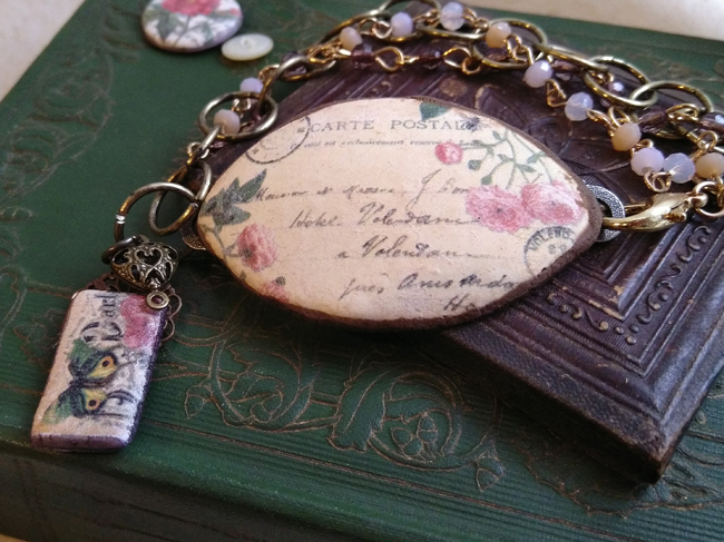 Tiny Roses Postcard Bracelet