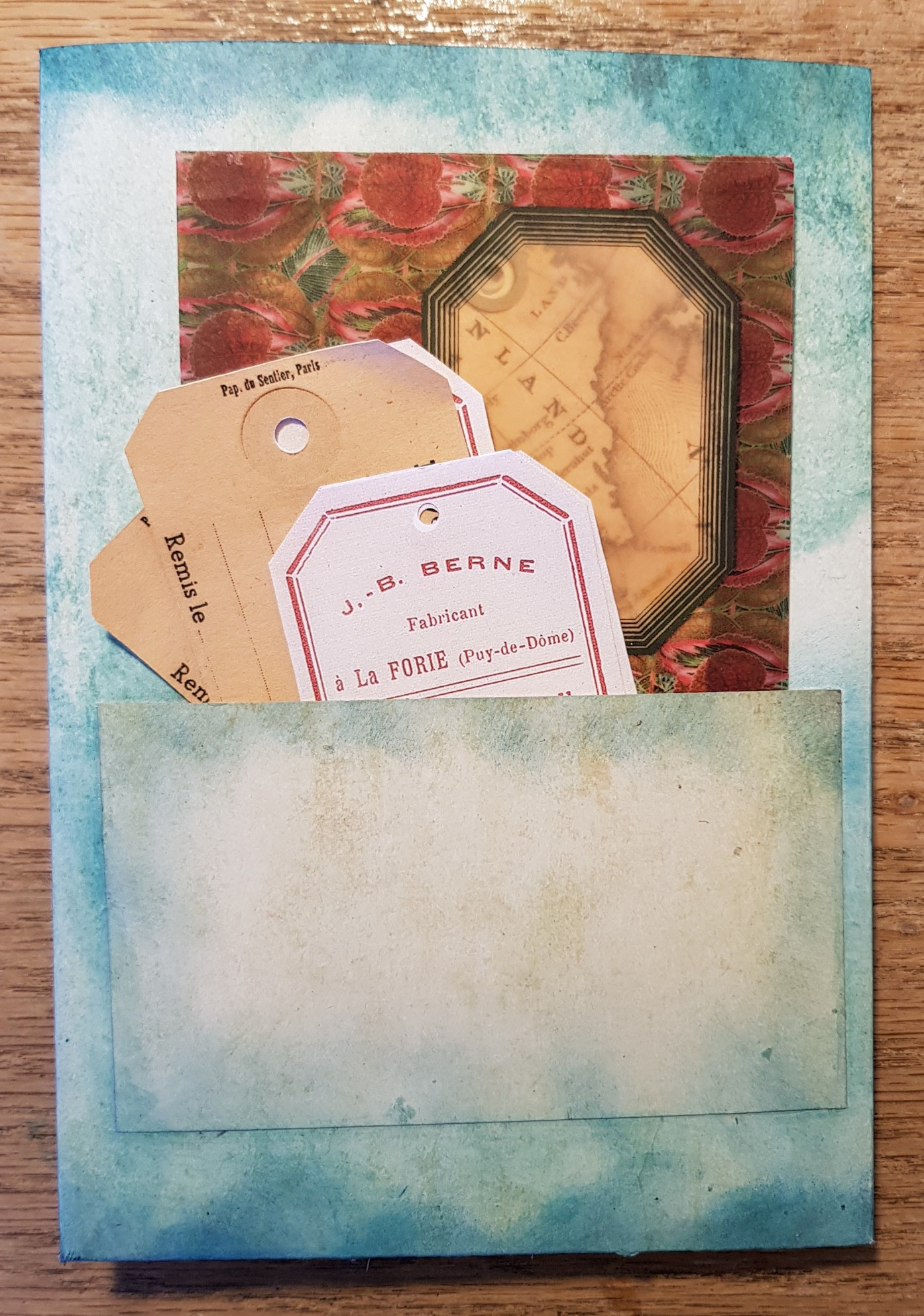 Back Pocket Tri-Fold Ephemera Folder