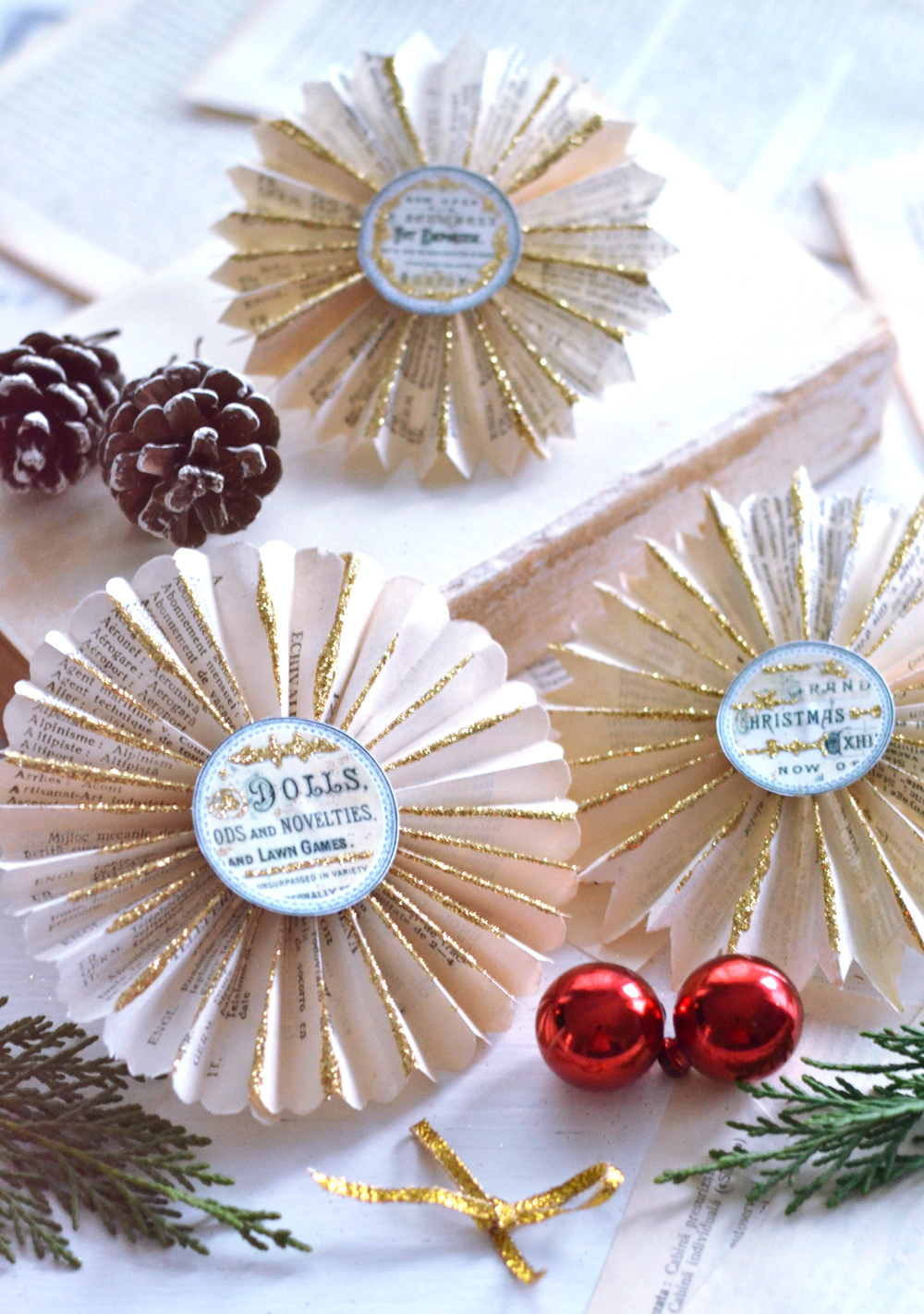 Diy Christmas Book Page Paper Rosettes Free Printable