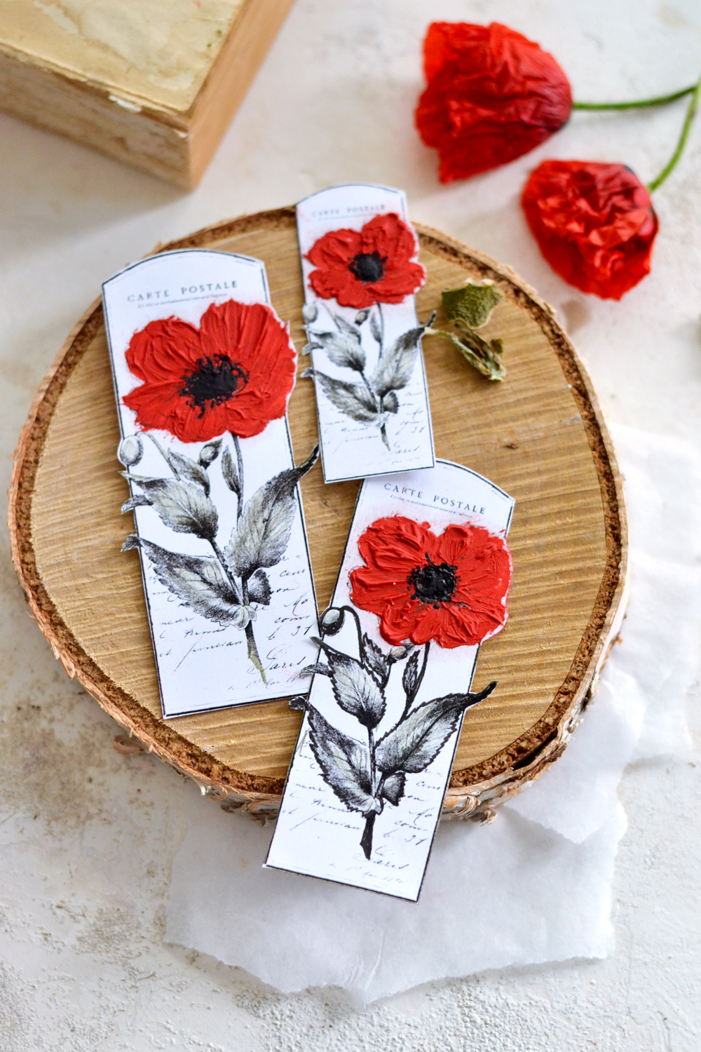Learn how to make realistic DIY Vintage Poppy Tags using 5 methods! The final results are simply stunning!
