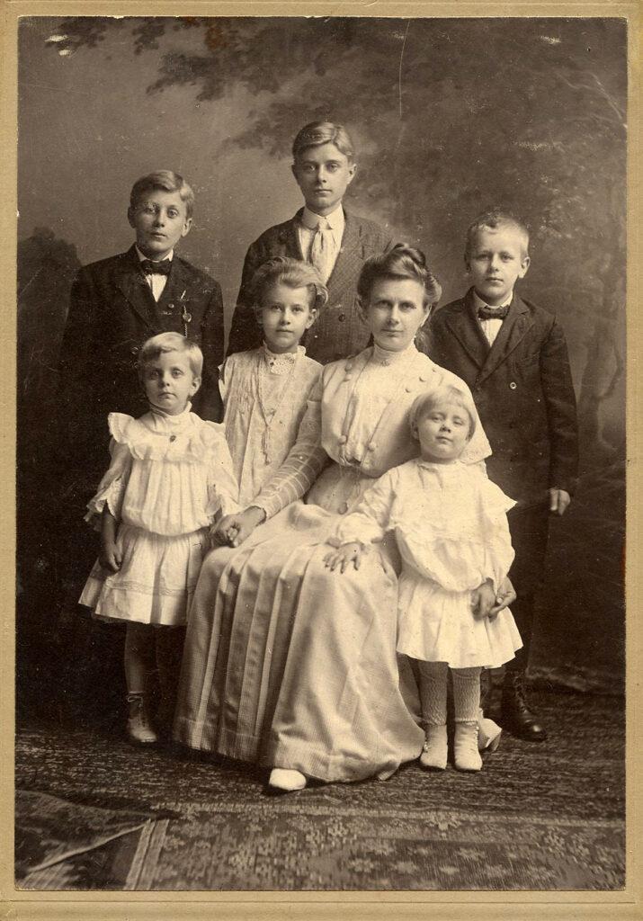antique family photo image