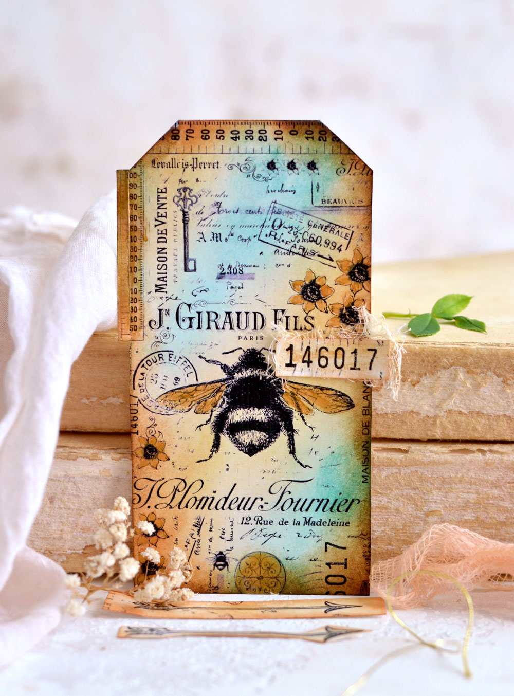 Bumblebee Collage Tag