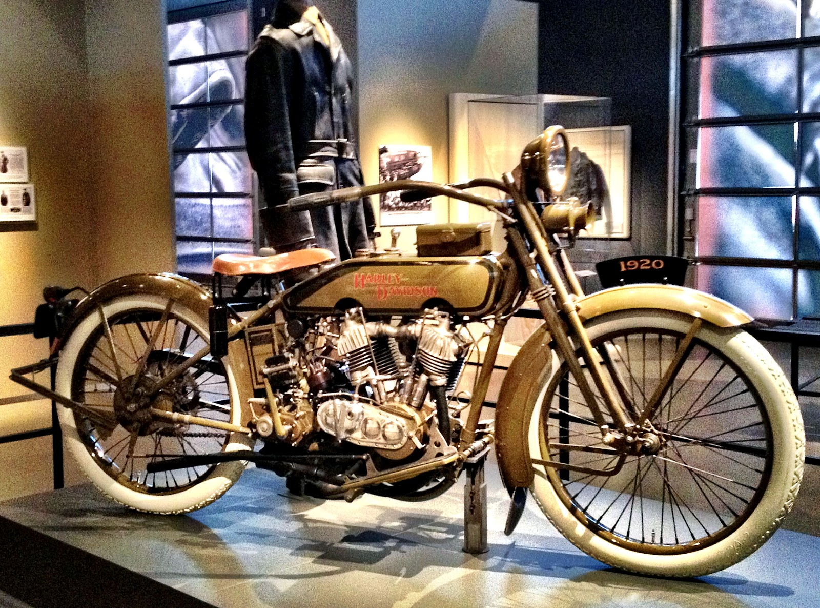 Retro Motorcycle Girl & My Trip To Harley Davidson Summer