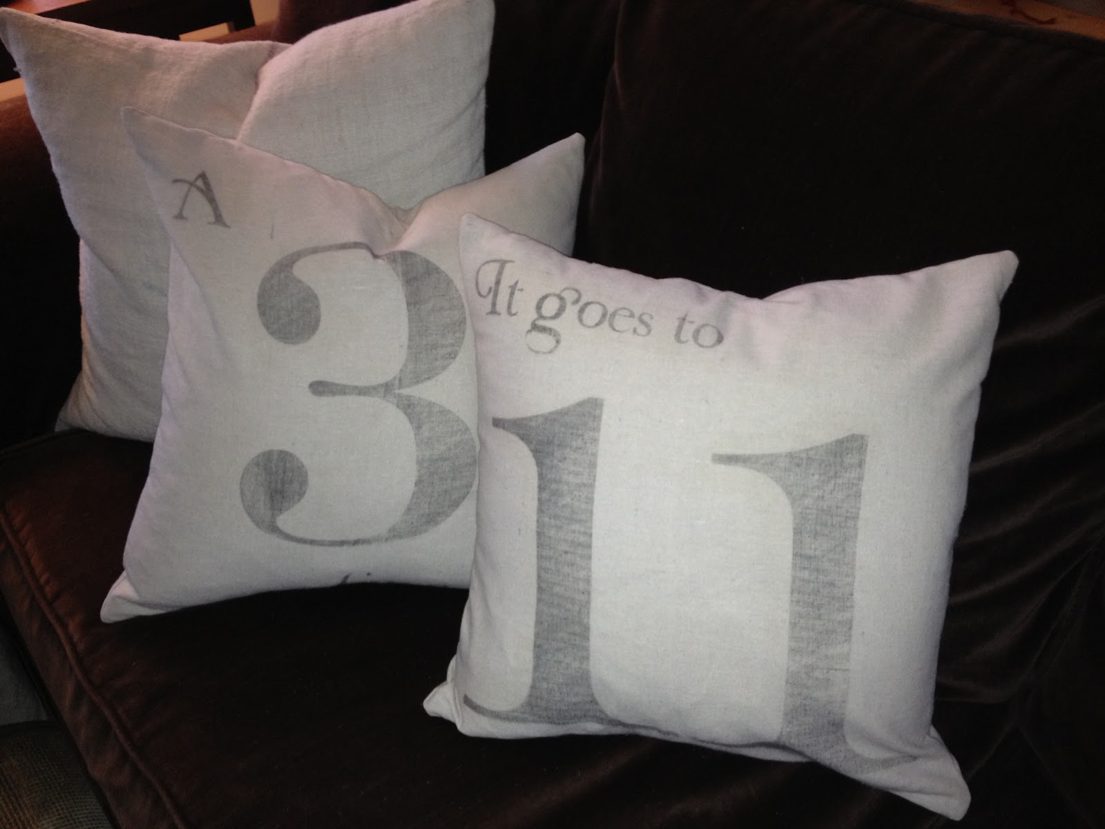 Vintage Number Music Pillows - + Printables - The Graphics Fairy