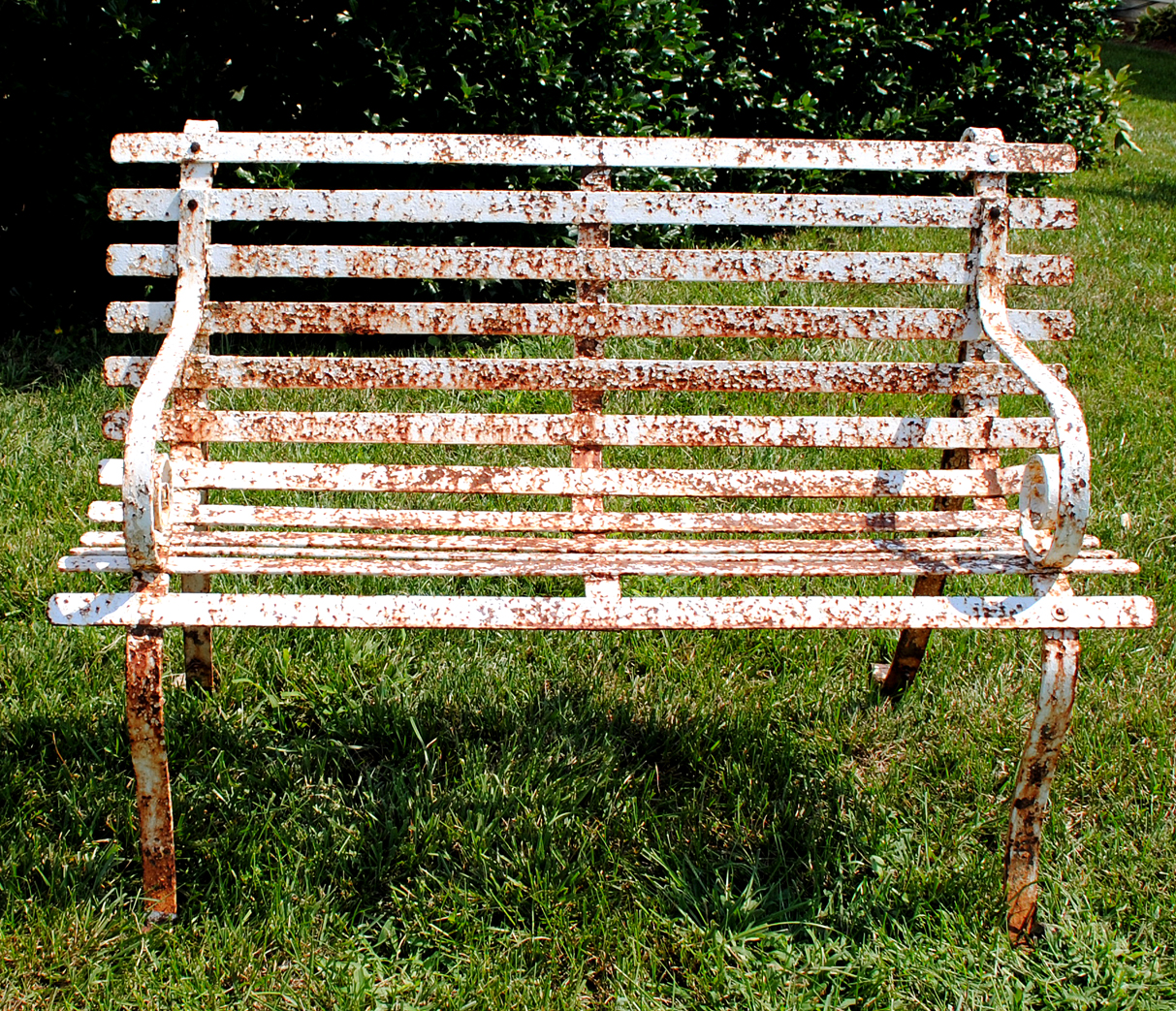 How To Paint Rusty Iron Garden Furniture The Graphics Fairy