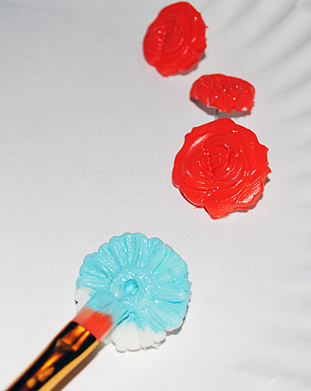 Make Thumb Tacks with Mod Melts -Graphics Fairy DIY
