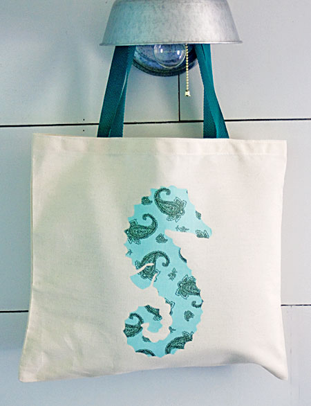 DIY Seahorse Silhouette Beach Bag - The Graphics Fairy
