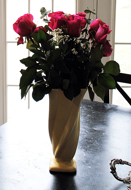 Make some Mini Valentine Bouquets with your Valentine's Day Flowers  //  The Graphics Fairy