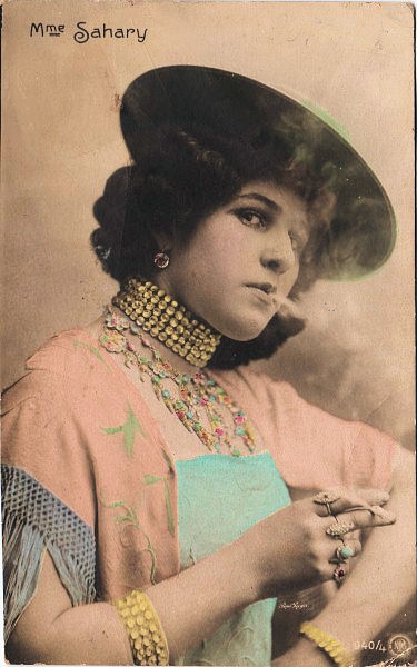 sassy victorian lady smoker the graphics fairy