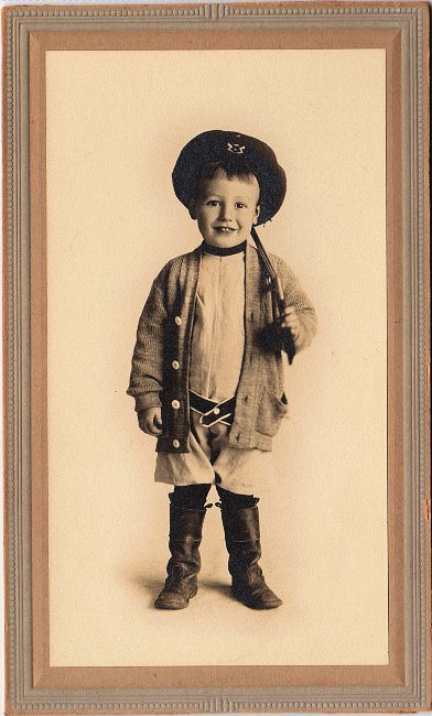 Old Photo Little Victorian Boy With Rifle The Graphics