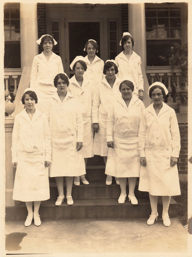 Old Photo Nurses In Uniform The Graphics Fairy